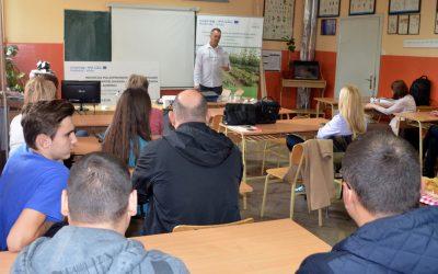 Obuka poljoprivrednim školama kako koristiti inovativne plastenike